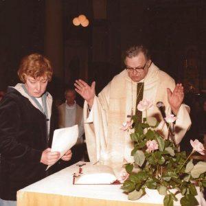 L'office est célébré par l'Evêque Monseigneur Mathen