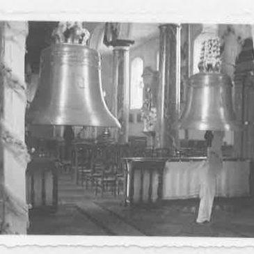 Installation des nouvelles cloches à l'église paroissiale de Floreffe en 1948