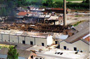 Incendie de la glacerie de Franière en 2001