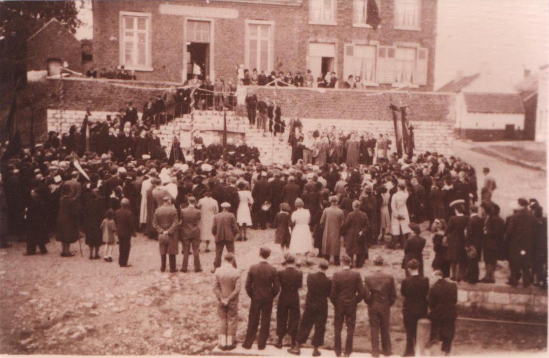 Franière – place communale – guerre 40-45 – retour des prisonniers et déportés