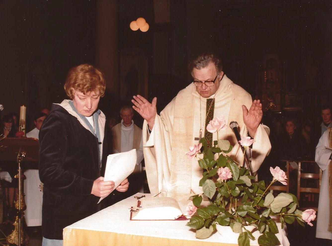 Soeur Renée - L'office est célébré par l'Evêque Monseigneur Mathen