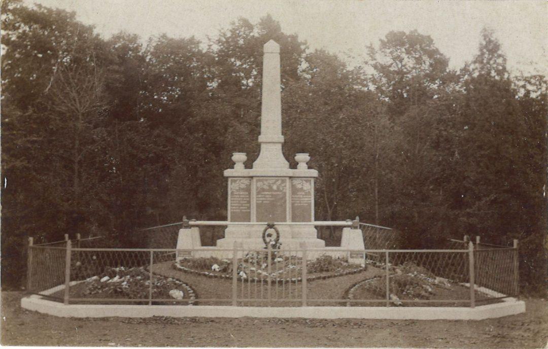 Soye – rue de Spy – monument aux morts