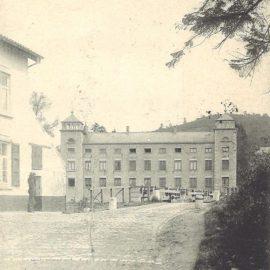 Floriffoux – rue Sous-la-Ville – déversoir et château de Dorlodot